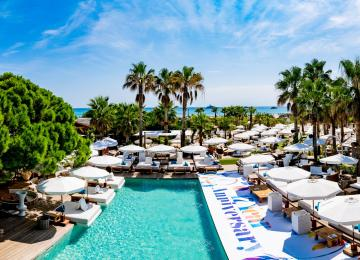 Aquaset renovation de la piscine de la plage NIKKI BEACH Saint TROPEZ