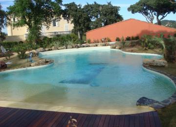 AQUASET-Piscine béton  PRIVEE de 240m²,revêtement emaux sable+ lave émaillée, cascade paysagée, ST TROPEZ