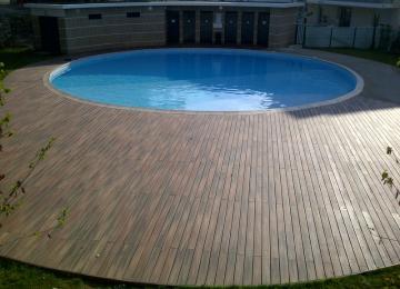 AQUASET-Piscine béton collective de 199m², revêtement pvc armé bleu,plage en bois composite massif,ouvrage conformes aux normes ARS, BOUCHES DU RHONE
