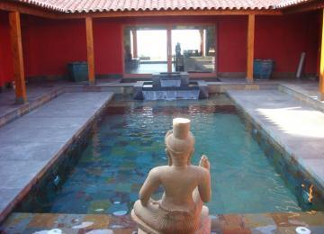 AQUASETPiscine béton privée en traditionnel, revêtement ardoise du brésil, cascade décorative,ambiance asiatique