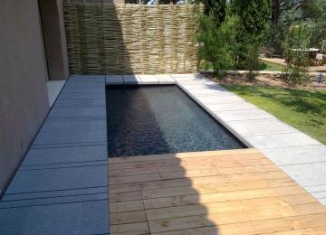 AQUASET-Piscine béton en traditionnel revêtement grés ceram anthracite,   ST TROPEZ