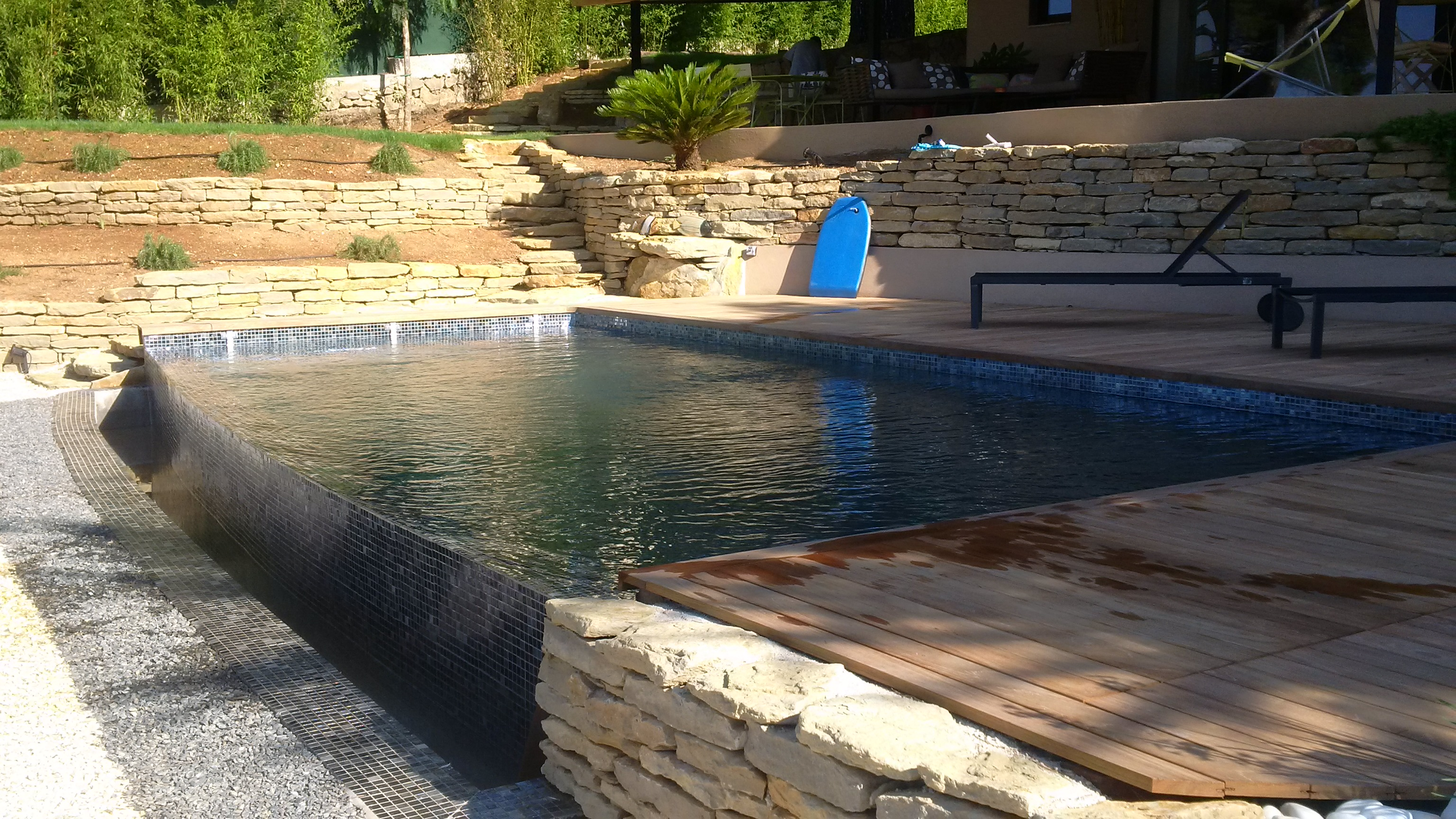 La piscine aquaset brignoles var draguignan fr jus for Construction piscine 80