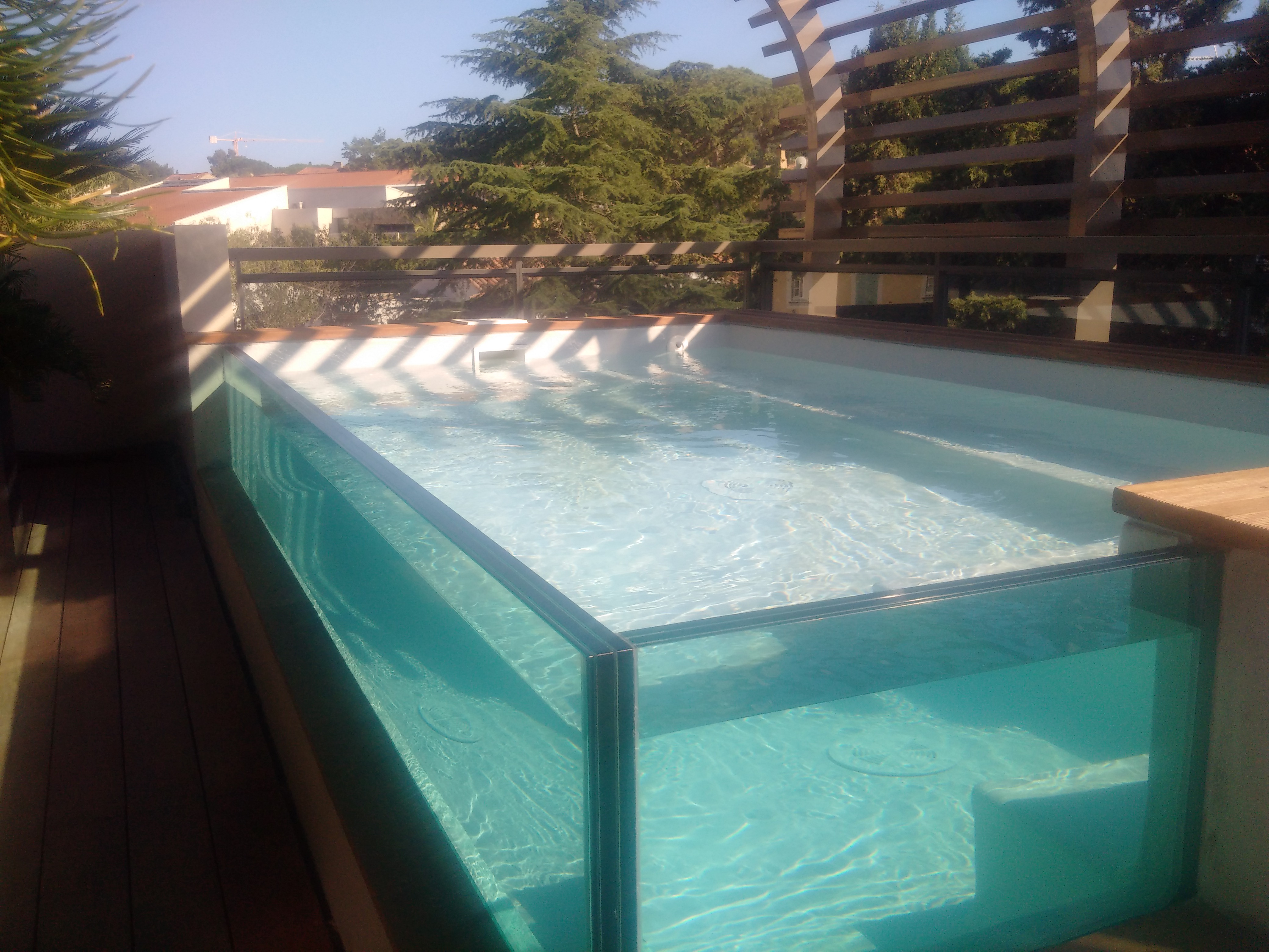 La piscine aquaset piscines traditionnelles brignoles for Verre filtration piscine