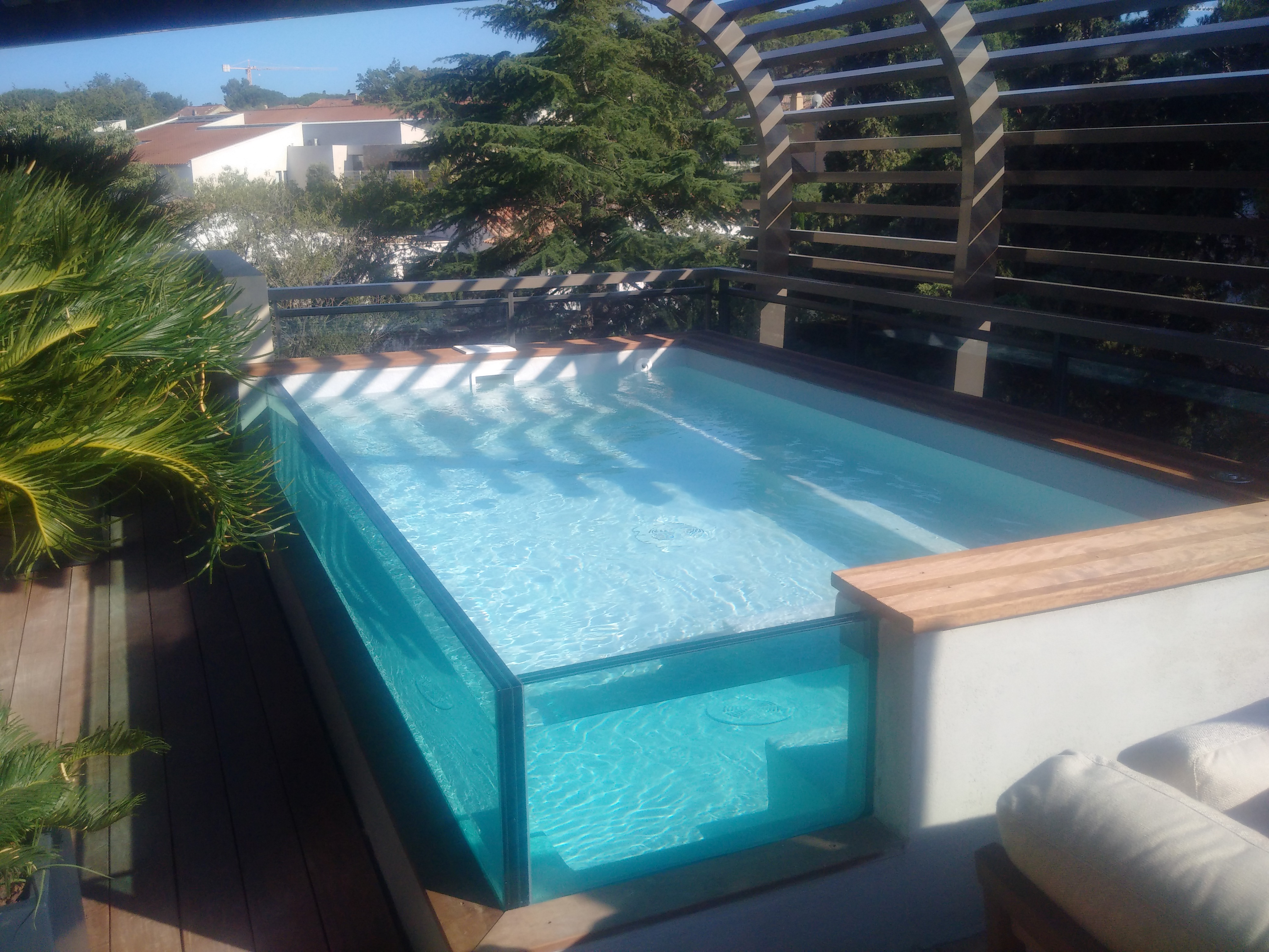 La piscine aquaset brignoles var draguignan fr jus for Verre filtration piscine
