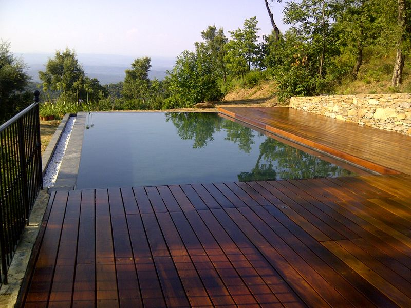 La piscine aquaset piscines traditionnelles brignoles for Accessoire piscine var